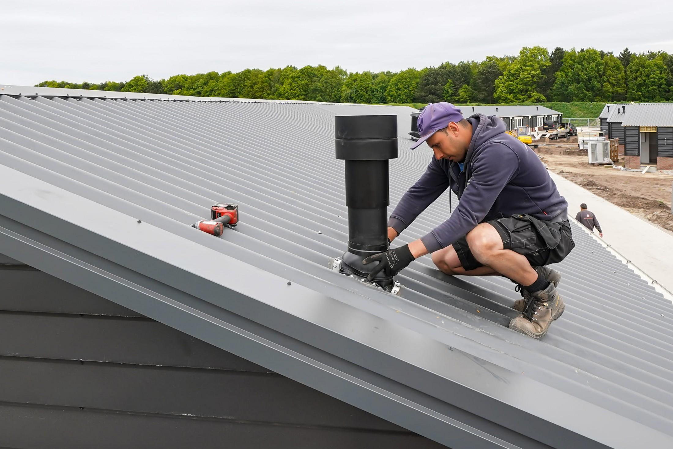 Montage van wand- en dakbeplating